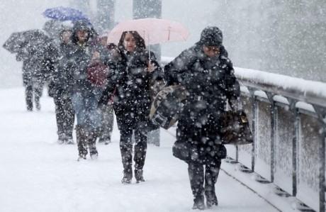 ANM a emis avertizare meteo de ninsori și vânt puternic